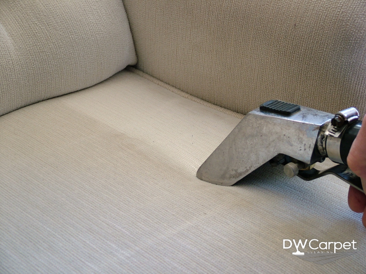 Upholstery-Cleaning-Singapore-Dw-Carpet-Cleaning-Singapore_wm