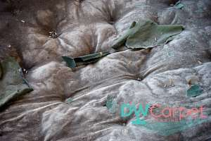 dusty-old-mattress-cleaning-dw-carpet-cleaning-singapore