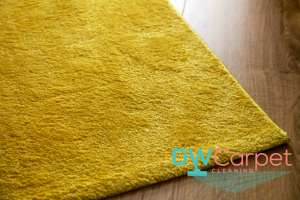 yellow-rug-with-no-fringes-rug-cleaning-dw-carpet-cleaning-singapore